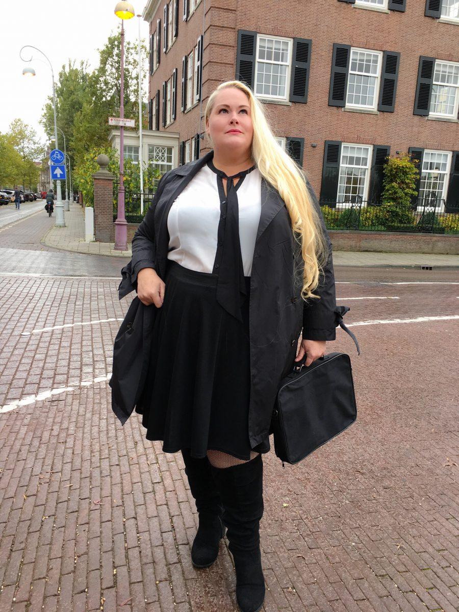 Outfit - vrouwelijk maar zakelijk